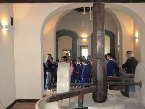 Visita Didattica Sala Interna Macina Castello Ducale Castel Campagnano 2
